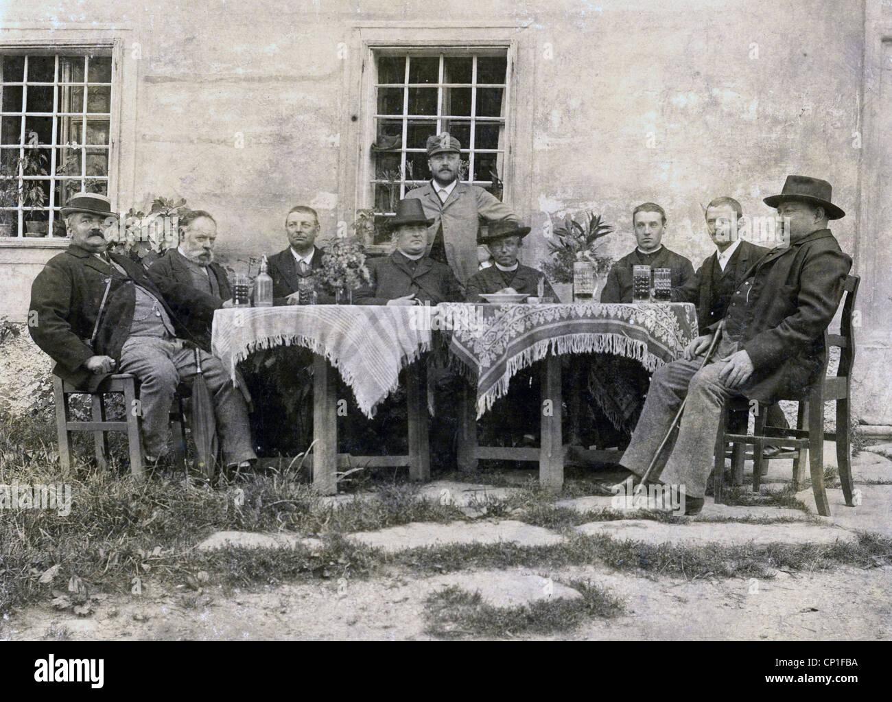 Menschen Manner Gruppe Ein Bild Aus Dem Spaten 19 Jahrhundert Carte De Visite Deutschland Additional Rights