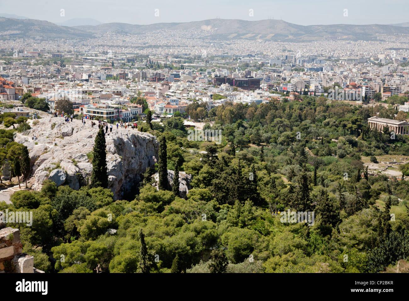 Der Areopag Hügel und der Tempel des Hephaistos von der Akropolis aus gesehen. Athen, Griechenland. Stockbild