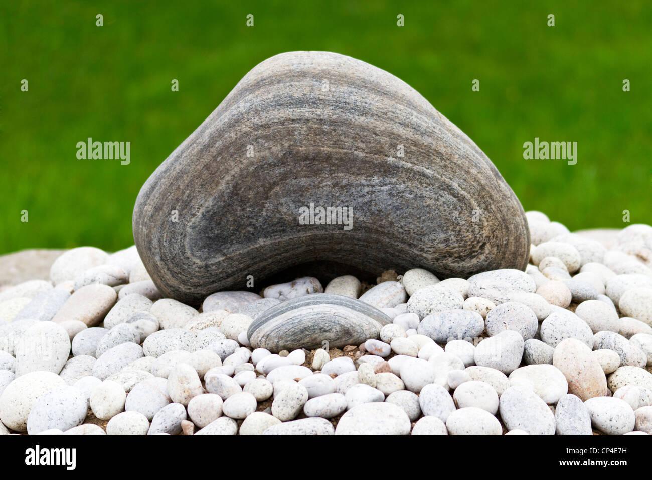 Zwei Naturliche Rockelemente Ein Grosses Und Ein Kleines Der Zen