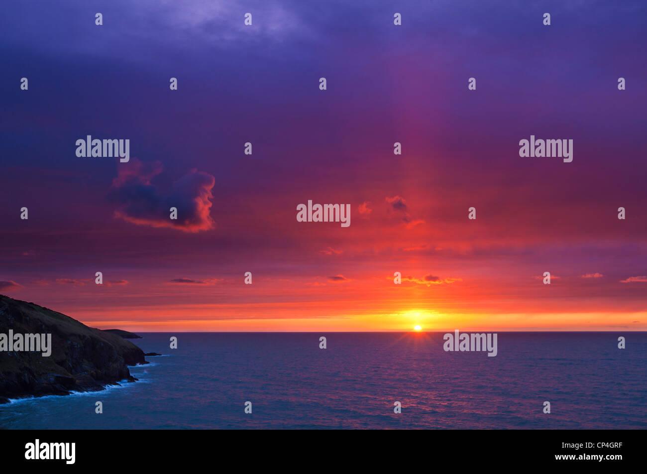 Sonnenuntergang Mwnt Cardigan Bay Ceredigion Küste Cardiganshire Wales Großbritannien GB EU Europa Stockbild