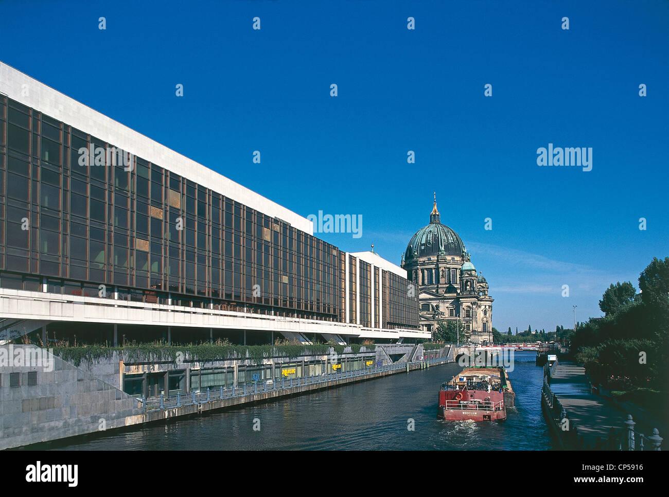 Deutschland des 20. Jahrhunderts der neunziger Jahre Berlin. Palast der Republik (Palast der Republik) Berliner Stockbild
