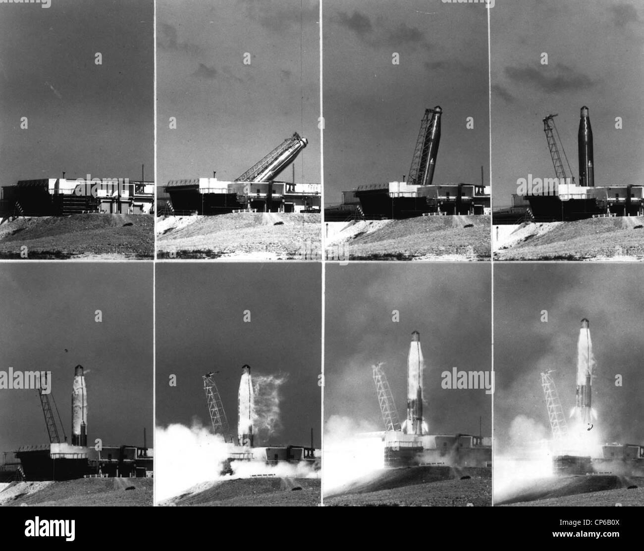 Atlas D # 25 ICBM zeigt eine Sequenz von Bildern wird aufgerichtet und ins Leben gerufen. Stockfoto