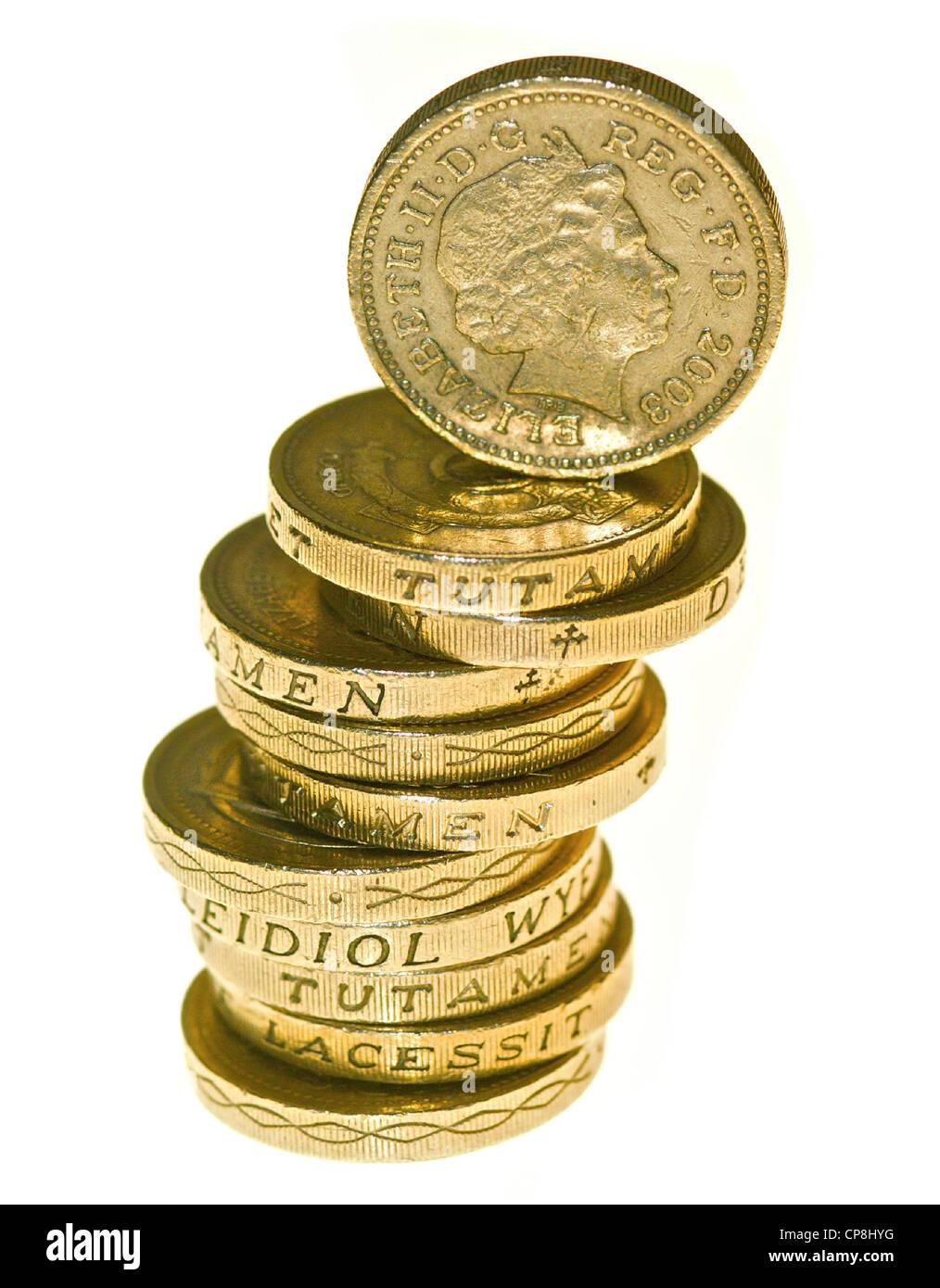 Ein Pfund-Münzen in einem Haufen. Stockbild