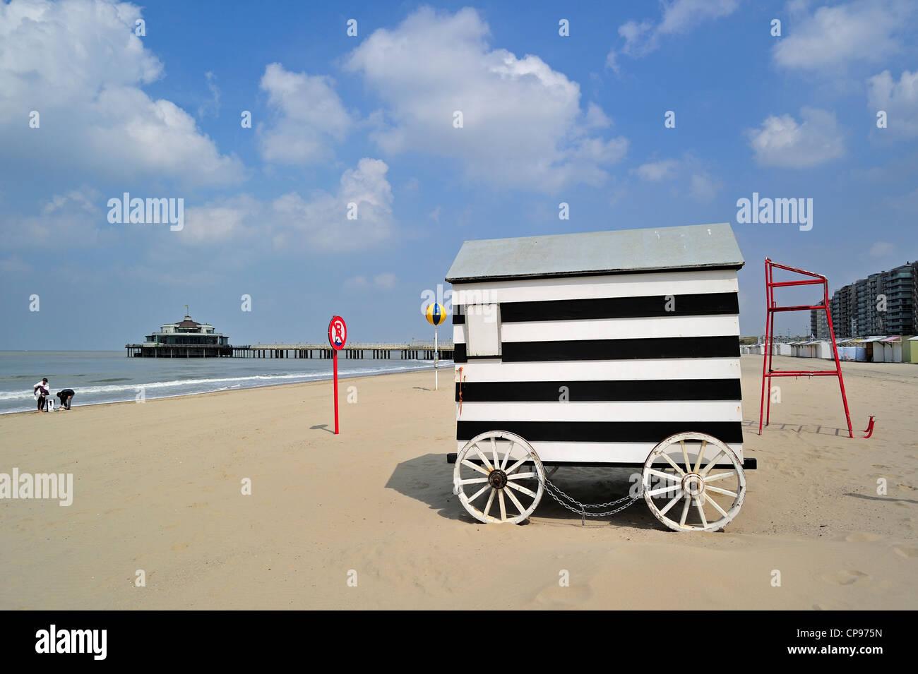 cabin seaside hut stockfotos cabin seaside hut bilder alamy. Black Bedroom Furniture Sets. Home Design Ideas