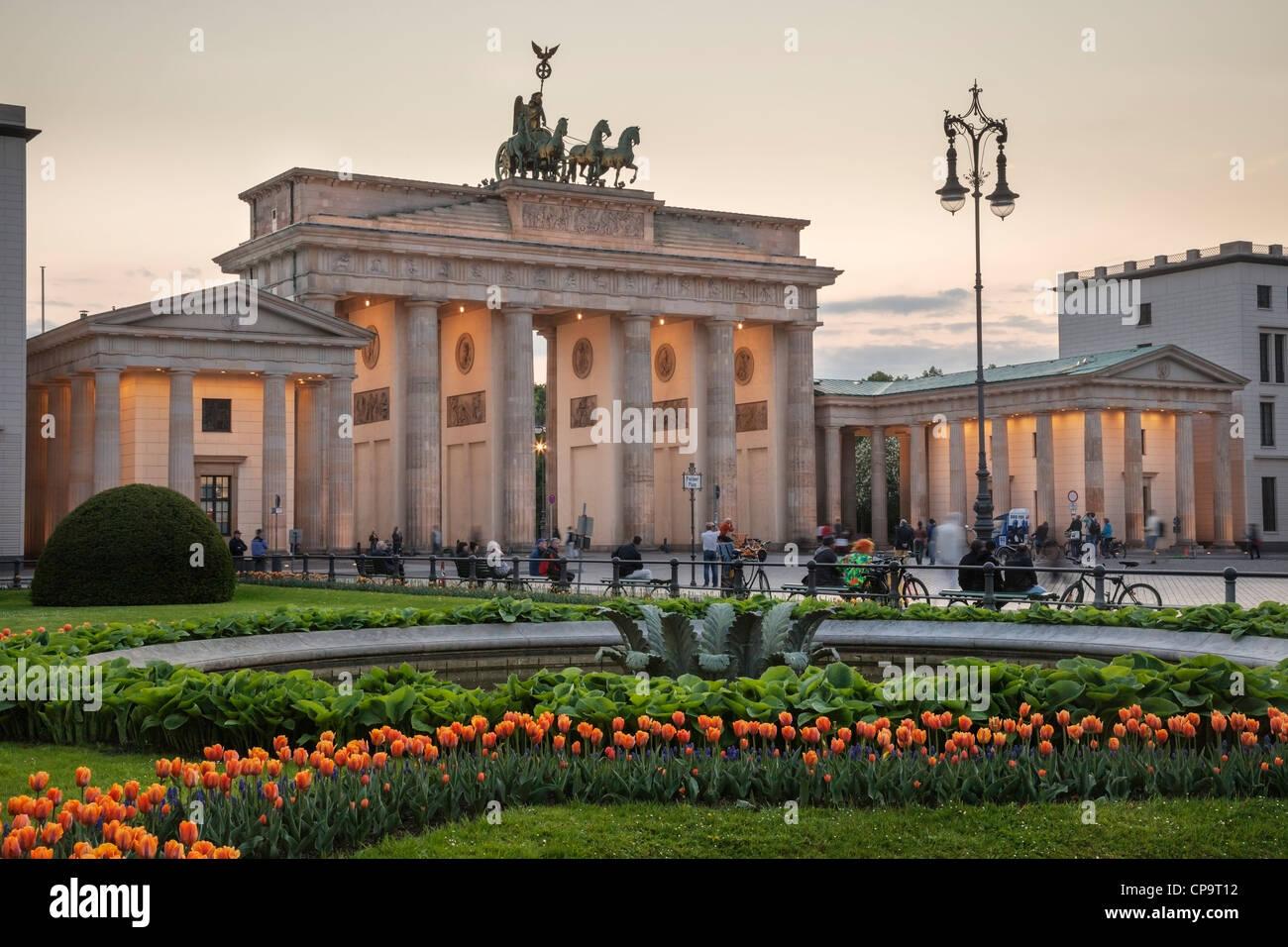 Brandenburger Tor und Pariser Platz, Berlin, Deutschland Stockfoto
