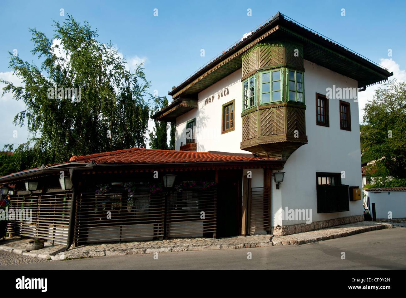 trotz haus im osmanischen wohn stil gebaut sarajevo bosnia herzegowina balkan europa. Black Bedroom Furniture Sets. Home Design Ideas