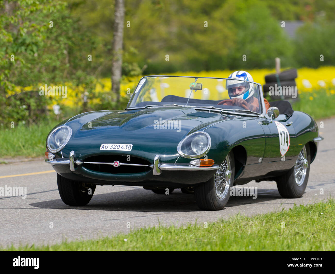 engine jaguar e type stockfotos engine jaguar e type bilder alamy. Black Bedroom Furniture Sets. Home Design Ideas