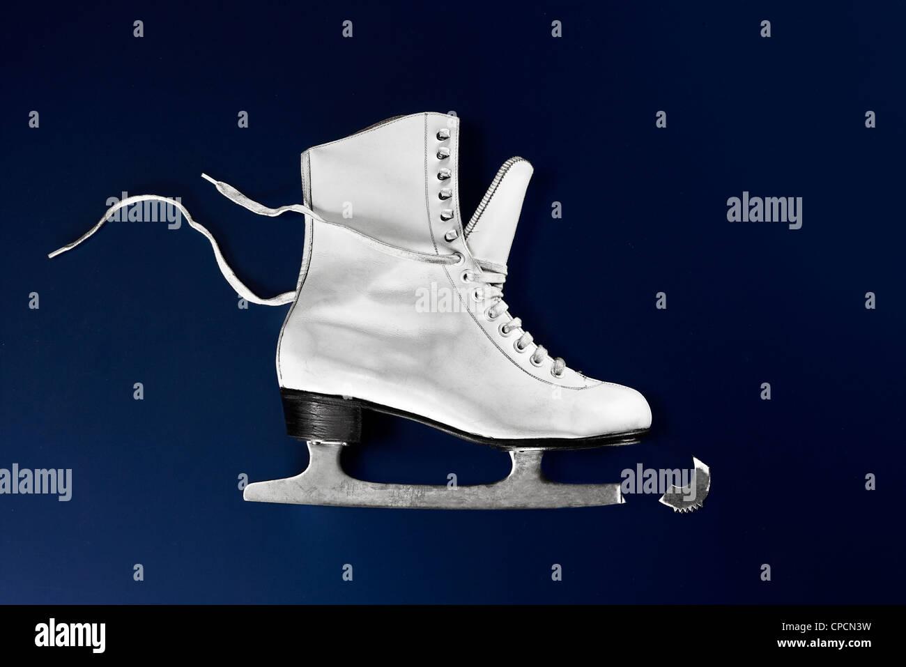 Nahaufnahme eines gebrochenen Ice skate Stockbild