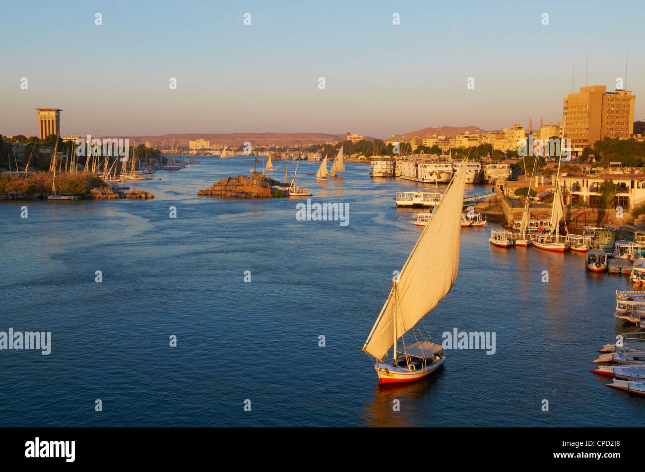 Feluken am Fluss Nil, Assuan, Ägypten, Nordafrika, Afrika Stockbild