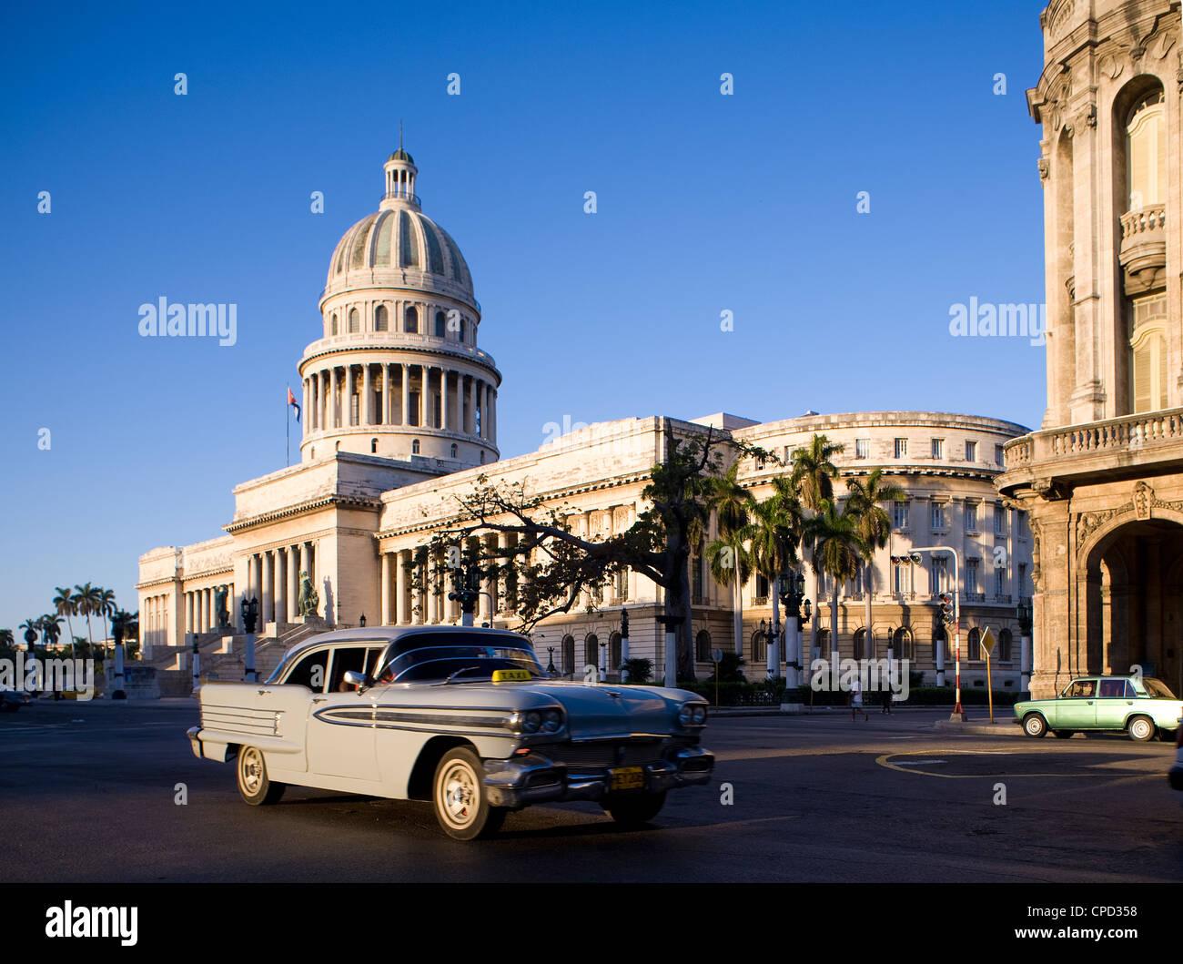 Capitolio, Zentral-Havanna, Kuba, Karibik, Mittelamerika Stockbild