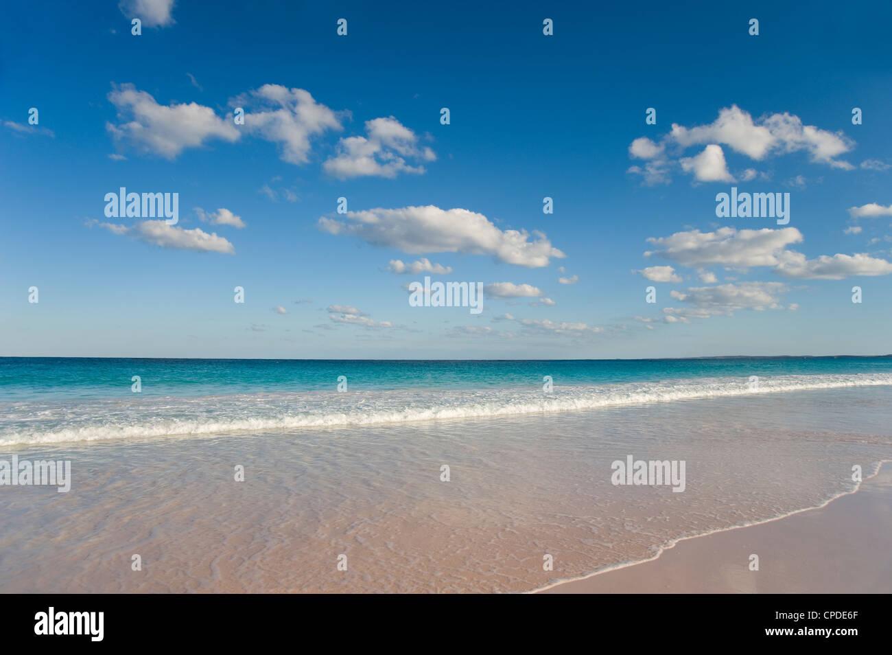 Sanfte Brandung am Pink Sand Beach, Harbour Island, Eleuthera, Bahamas, West Indies, Atlantik, Mittelamerika Stockbild