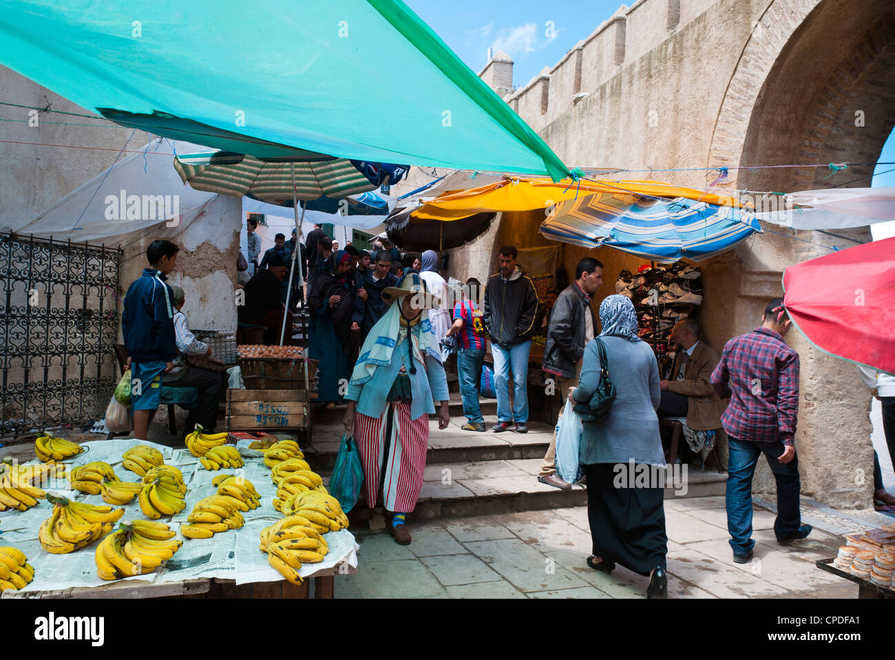 Straßenmarkt, Medina, Tetouan, UNESCO-Weltkulturerbe, Marokko, Nordafrika, Afrika Stockbild