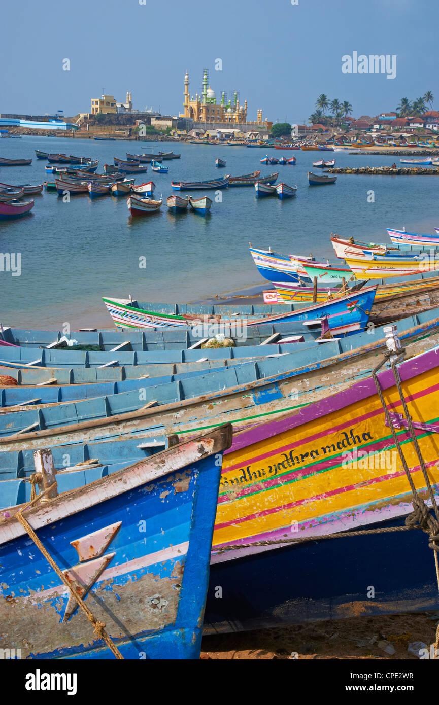 Vizhinjam, Fischerhafen in der Nähe von Kovalam, Kerala, Indien, Asien Stockbild