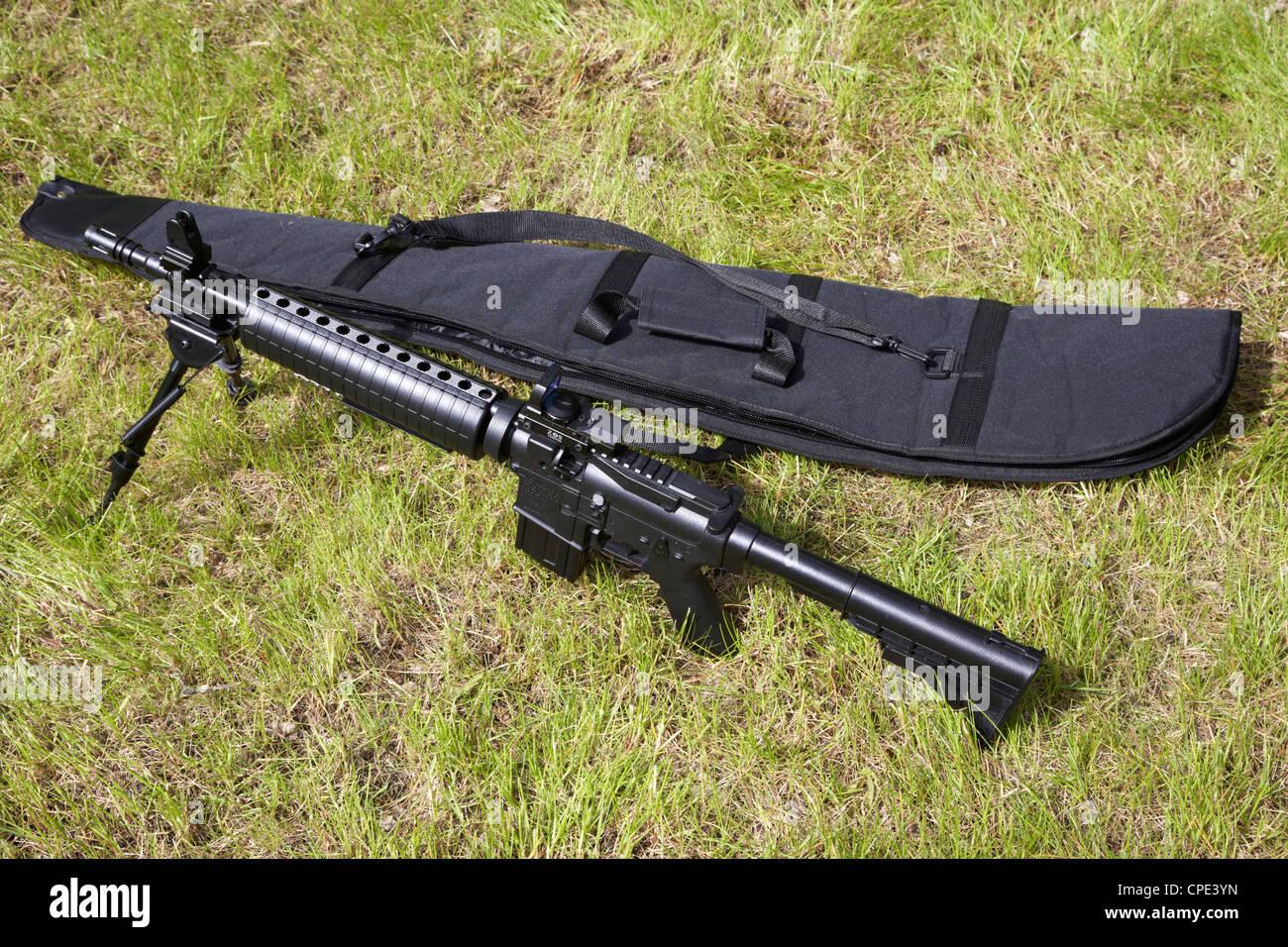 Airsoft m417 Gewehr bei einem Scharmützel im Vereinigten Königreich Stockbild