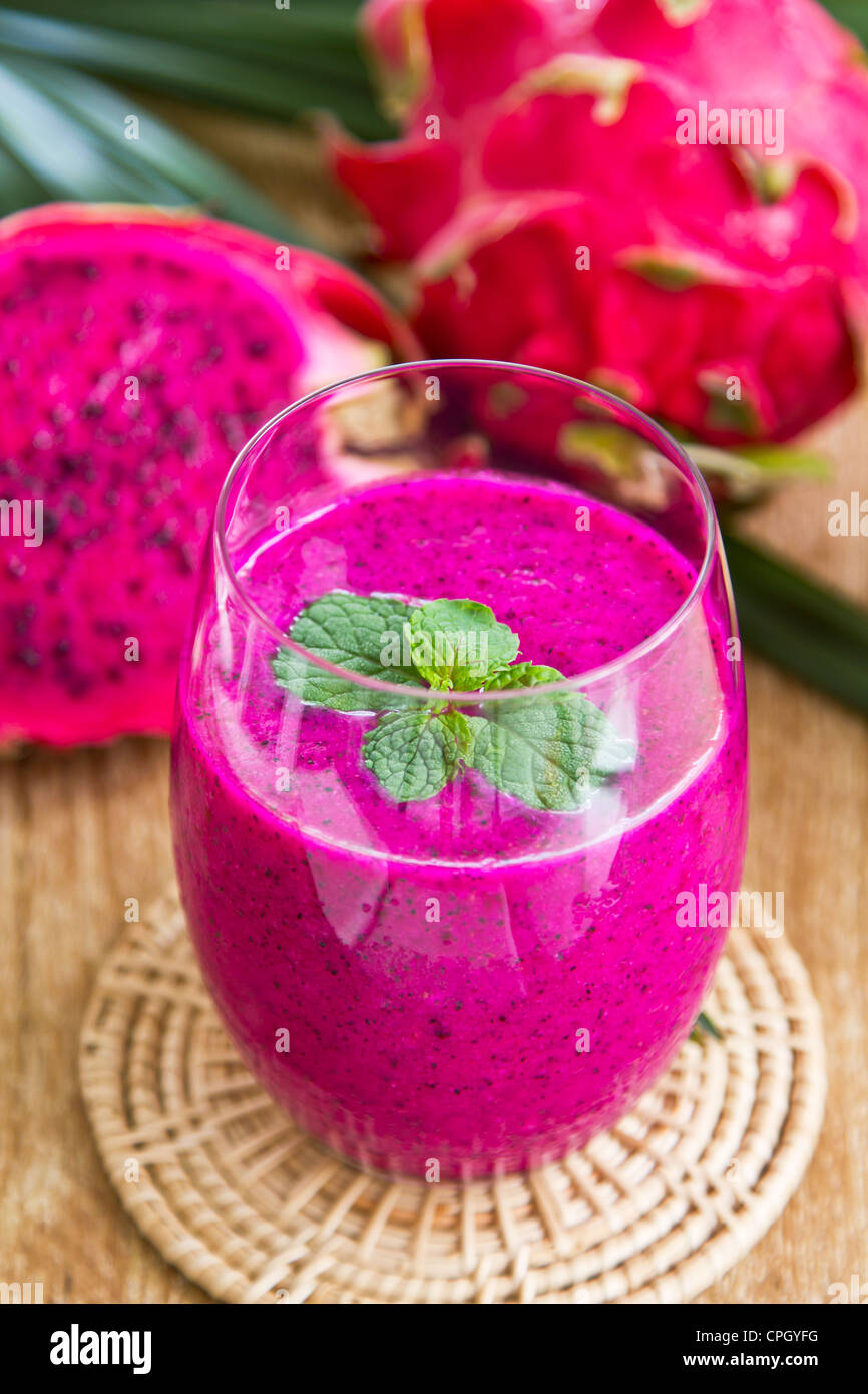 Dragon-Frucht-smoothie Stockfoto