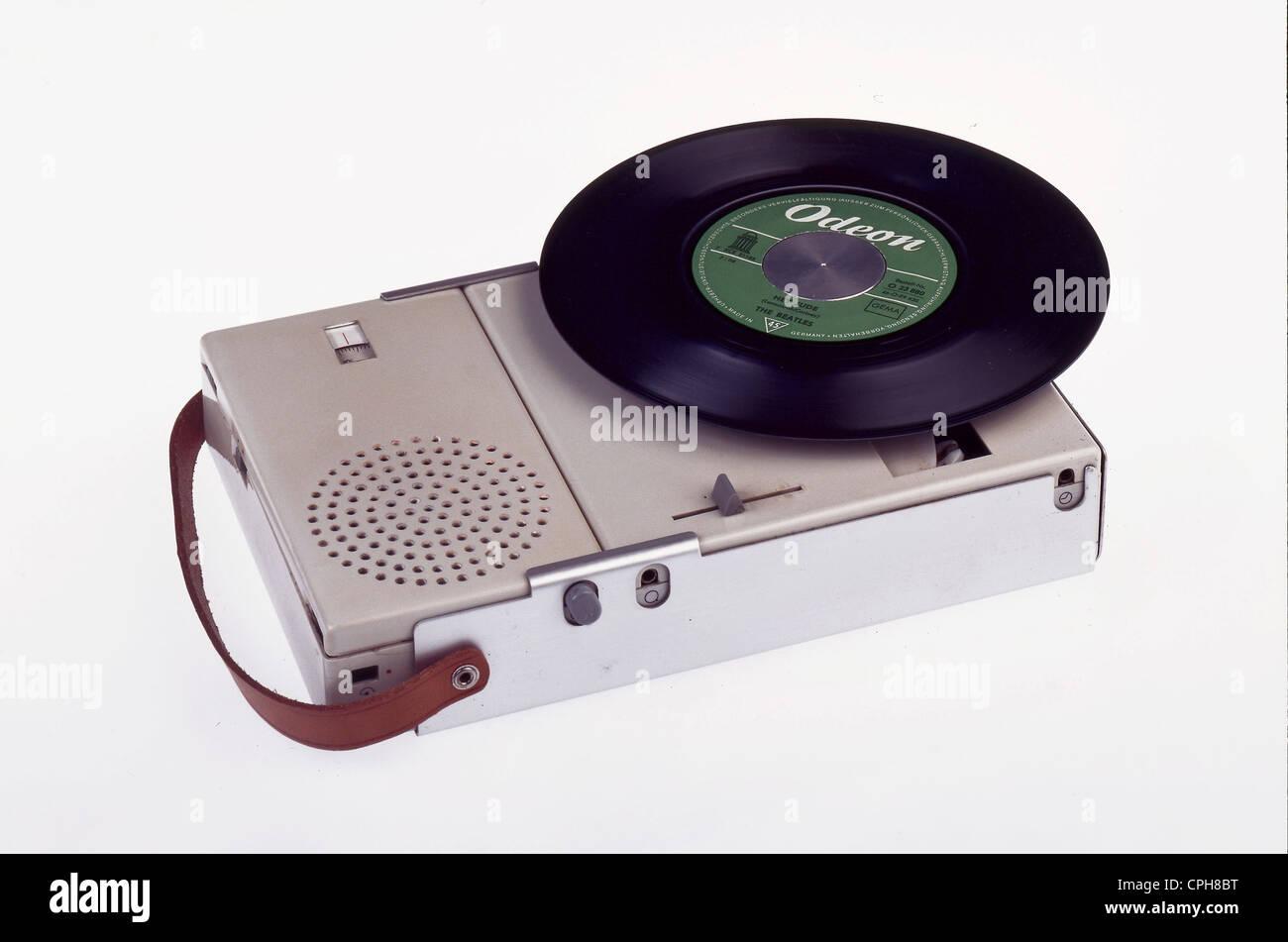 Technik, Plattenspieler, Braun, Version TP2, mit integriertem Radio, Phono-Kombination, Designer: Dieter Rams, Hochschule Stockbild