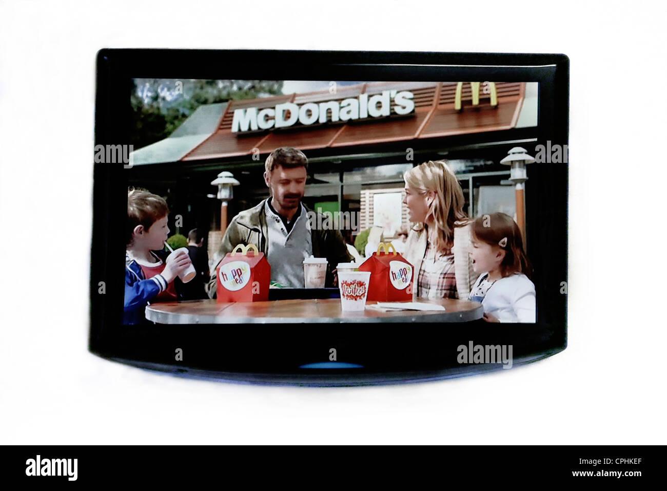 Hd Werbung samsung flachbild hd tv zeigen werbung für mcdonalds stockfoto bild