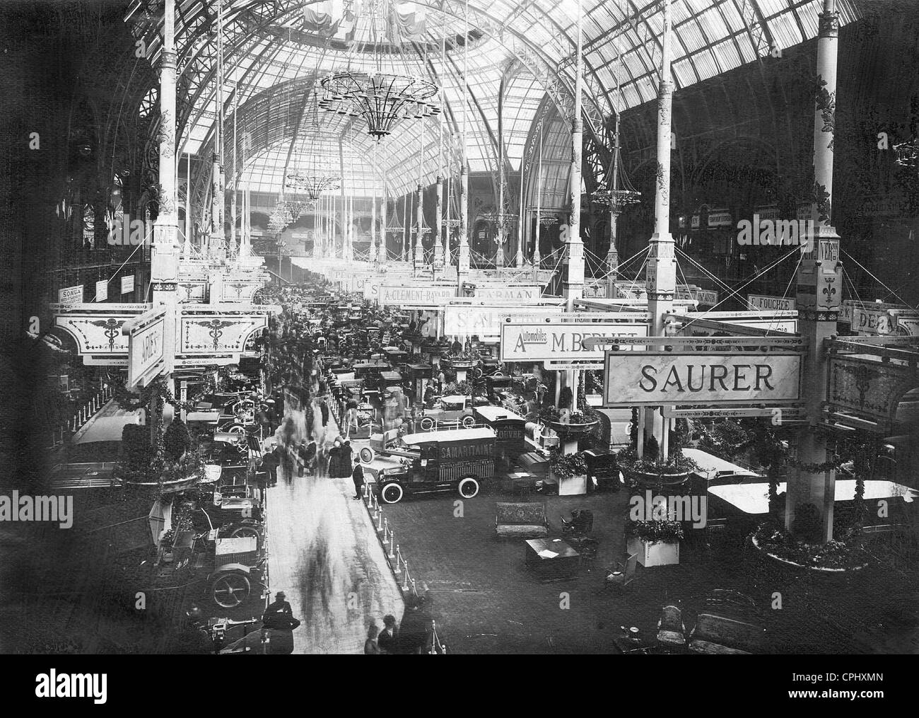 Autosalon in Paris, 1919 Stockbild