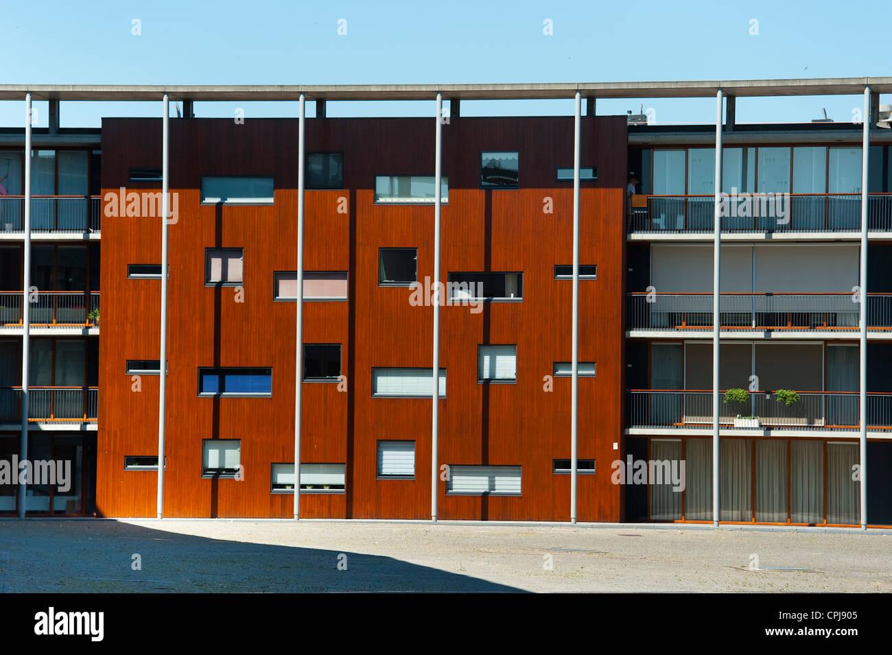 Contemporary Houses In ´herdenkingsplein´ Square Stockfotos ...