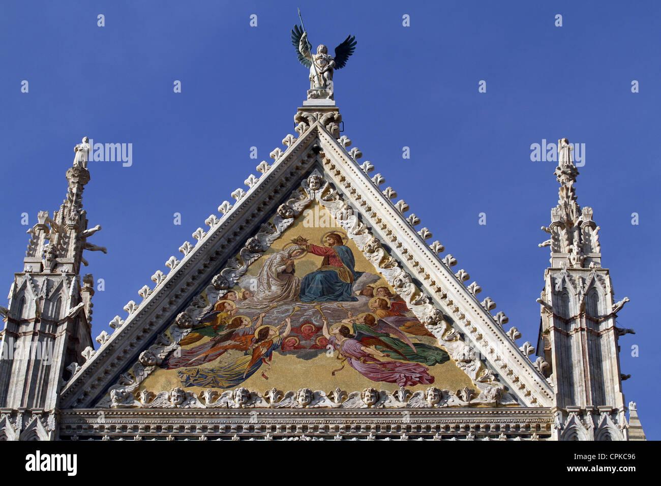 DIE Kathedrale von SIENA MAIN Fassade SIENA Toskana Italien 10. Mai 2012 Stockbild