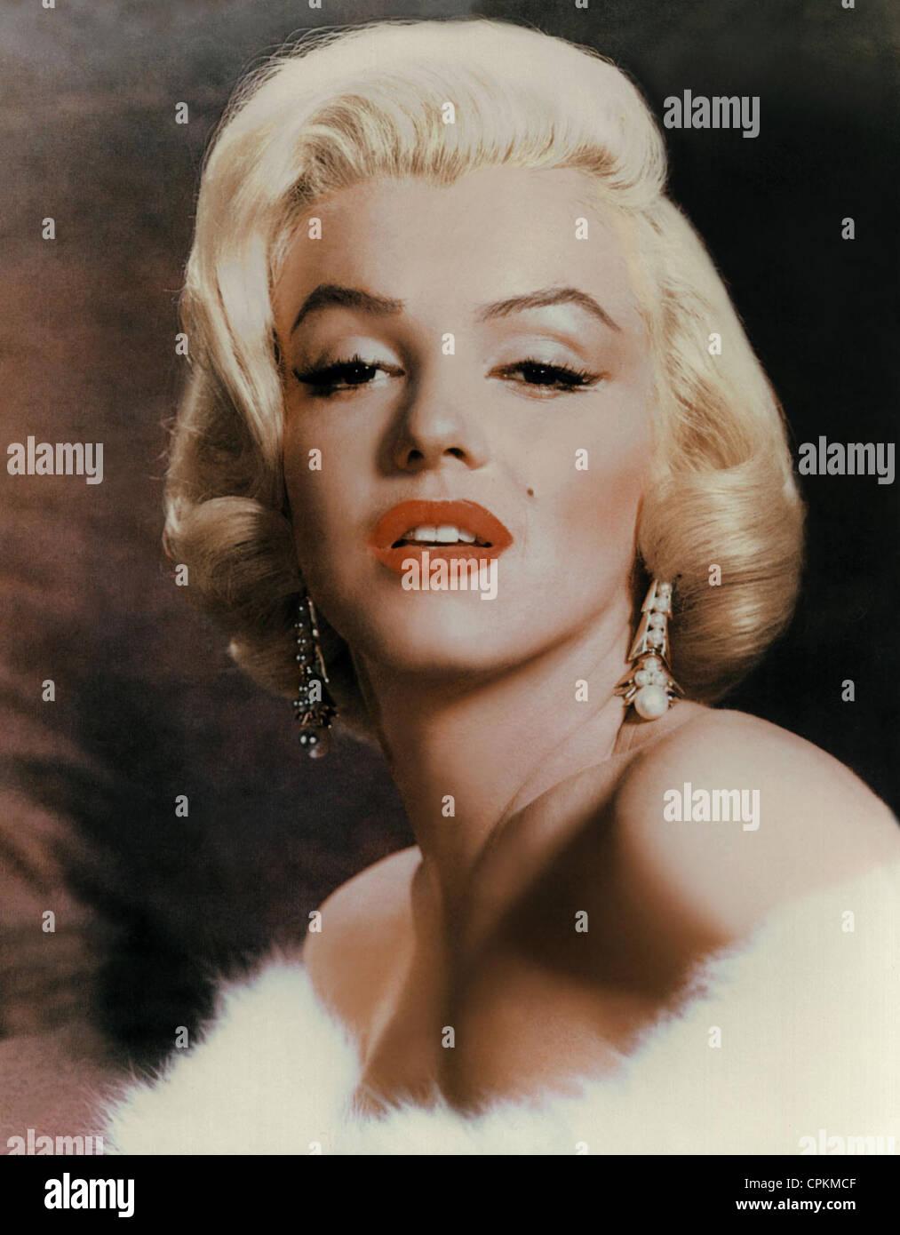 farbe im portrait der filmstar marilyn monroe abgebildet im jahr 1957 sie l chelt in die. Black Bedroom Furniture Sets. Home Design Ideas