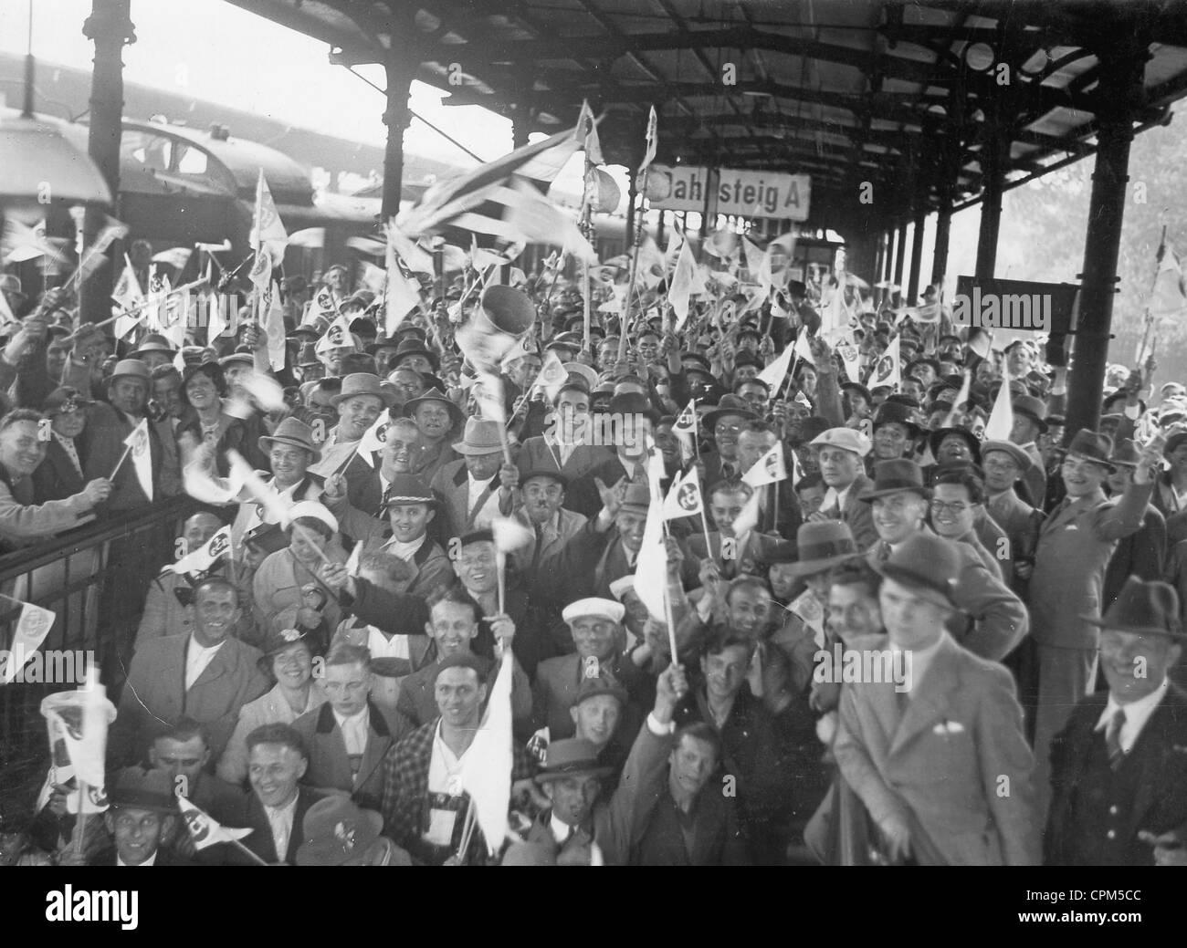 Fans des 1. FC Nürnberg im Finale die Deutsche Fußballmeisterschaft 1937 Stockbild