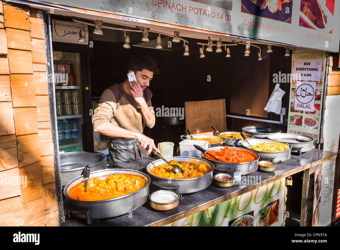 London Camden Lock Market Stall Halal fast food Weg nehmen Sie die ...