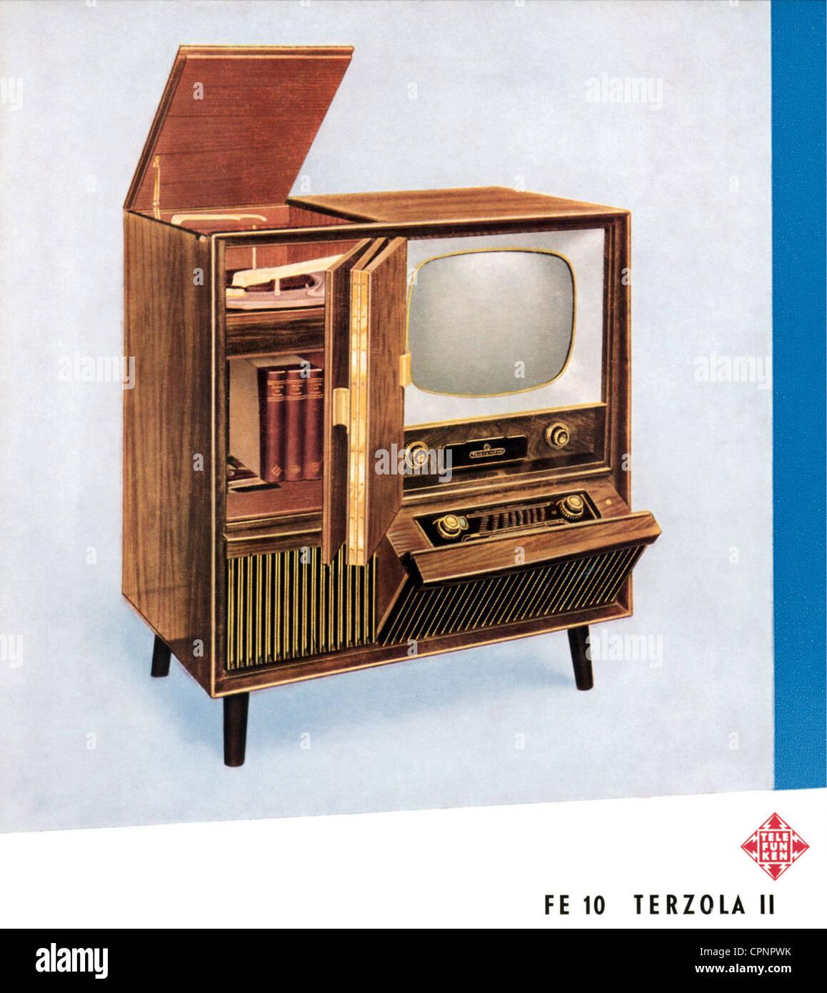 Broadcast, Fernsehen, TV Schrank, Telefunken FE 10 Terzola II,  Eigenständiges Gerät Mit Fernseher, Radio Und Rekord