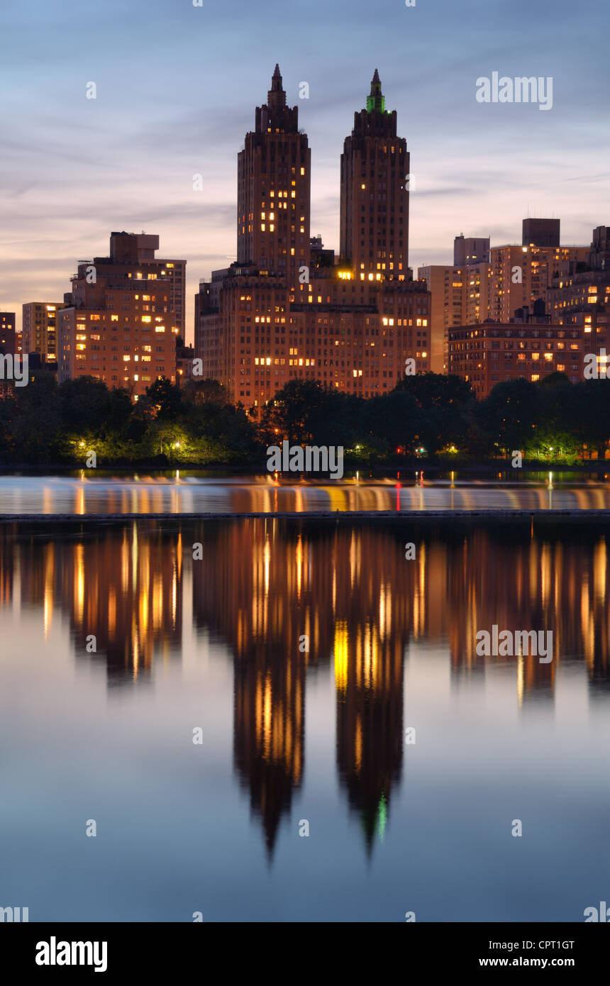 Skyline von Central Park West in New York City Stockbild