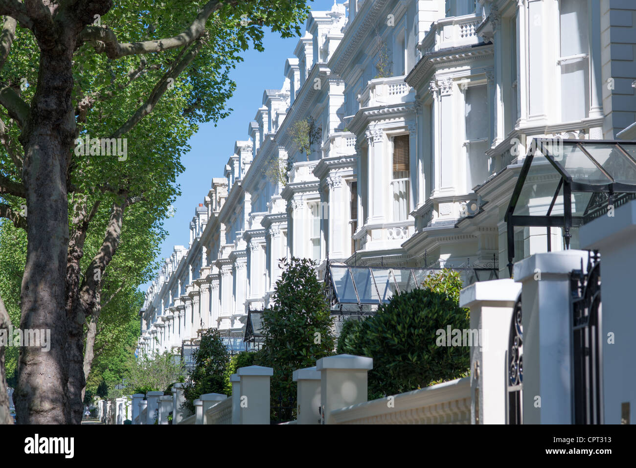 Exklusive Immobilien auf Holland Park W11 im Royal Borough of Kensington und Chelsea, London, UK. Stockbild