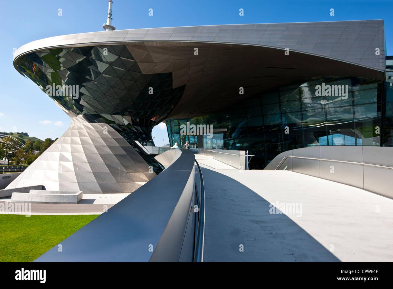 Bmw buildings stockfotos bmw buildings bilder alamy - Moderne architektur in deutschland ...