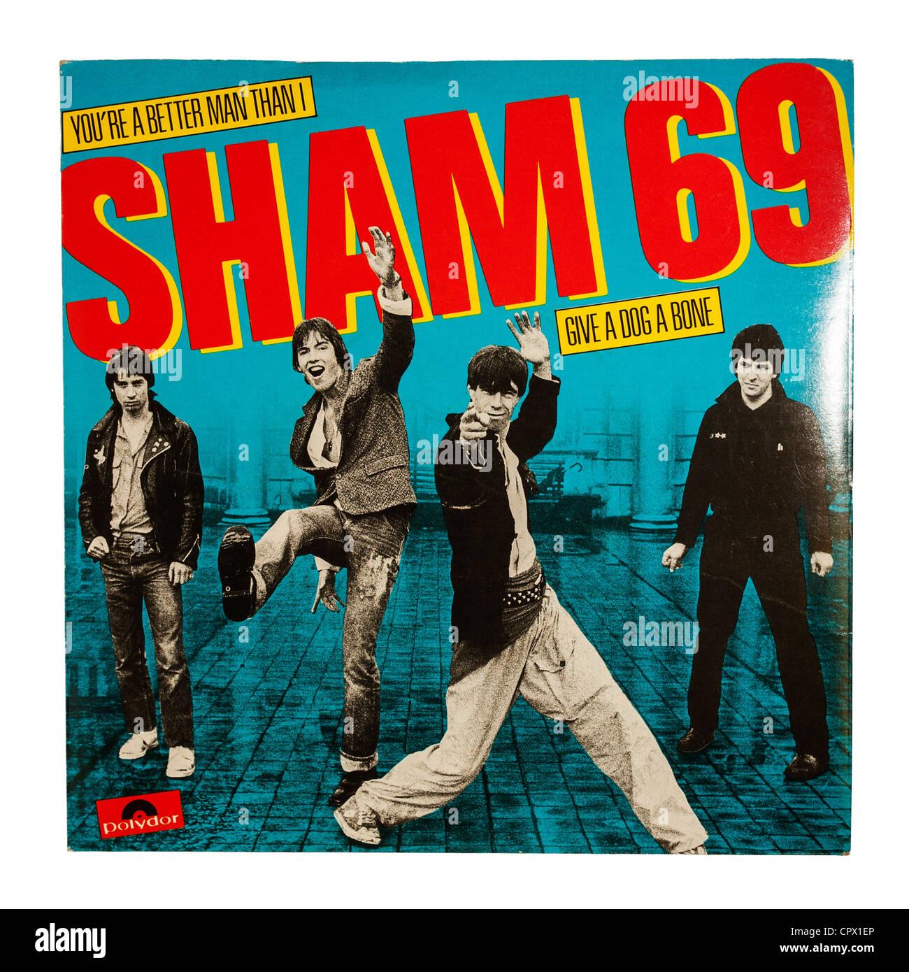 Eine einzige Schallplatte von Sham 69 auf dem Label Polydor auf weißem Hintergrund Stockfoto