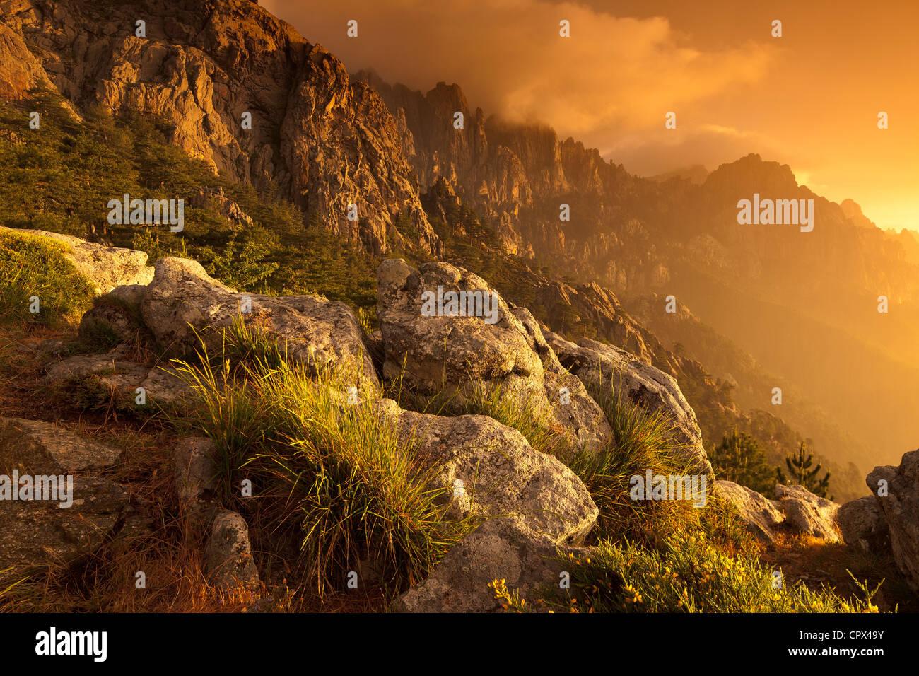 der Col de Bavella in der Morgendämmerung, Korsika, Frankreich Stockbild