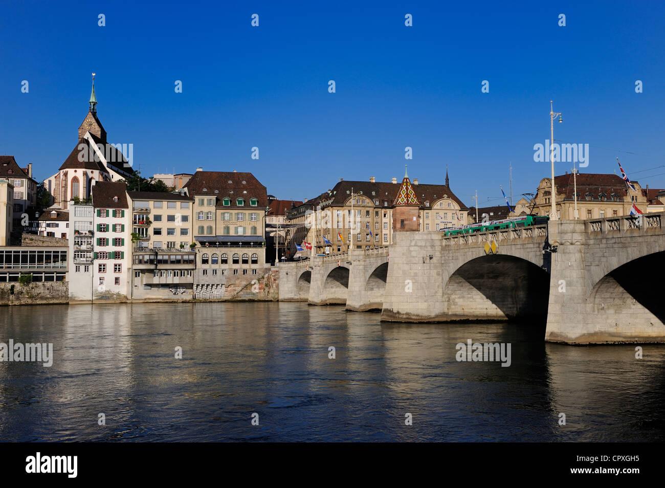 Schweiz, Kanton Basel-Stadt, Basel, die Mittlere Brücke über den Rhein Stockbild