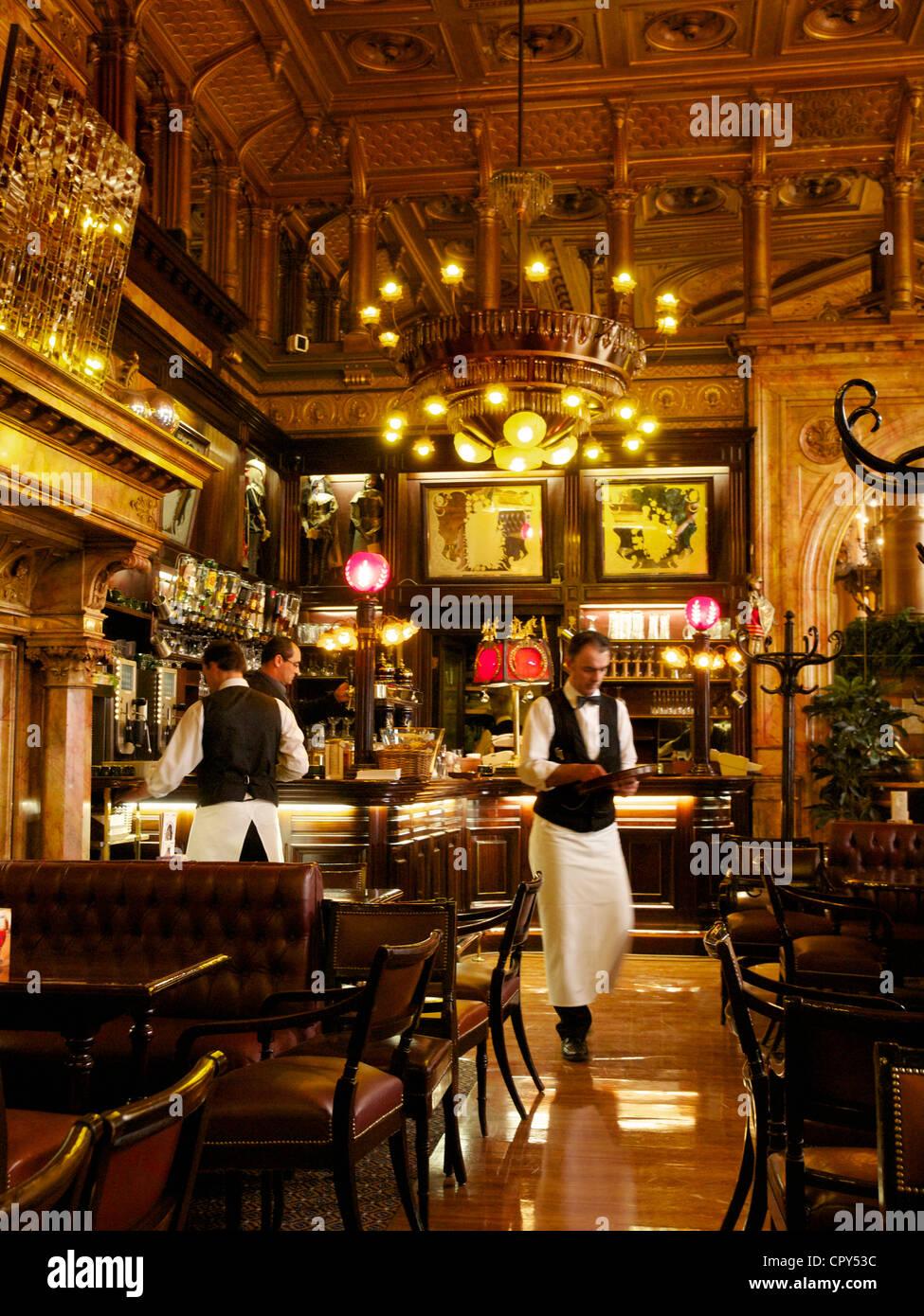 Innenraum der Bar des Hotel Metropole in Brüssel, einer der berühmtesten Grandhotels in der belgischen Stockbild