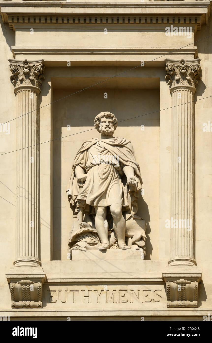 Statue der Euthymenes griechischen Explorer auf die Industrie-und Handelskammer oder La Bourse La Canebière Stockbild