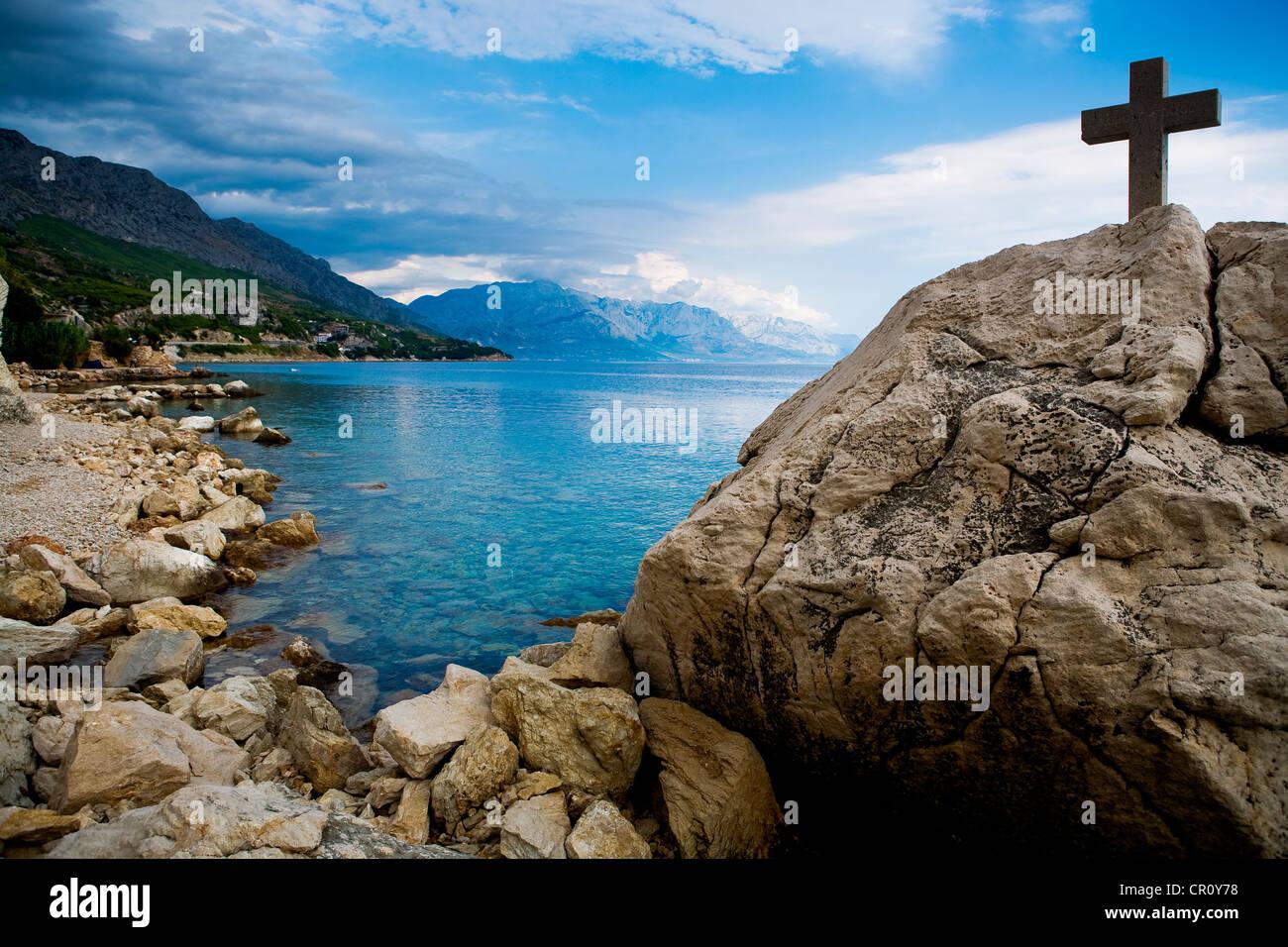 Adria-Küste in der Nähe von Split in Kroatien, Europa Stockbild