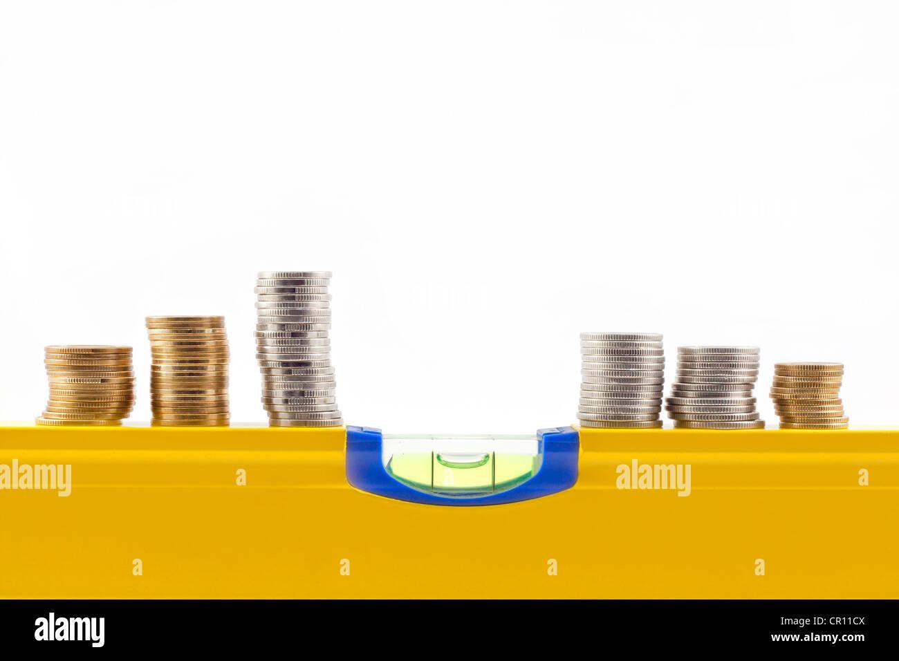 Stabilität und Wandel in der Rate der Geld abstrakt auf weißem Hintergrund Stockbild