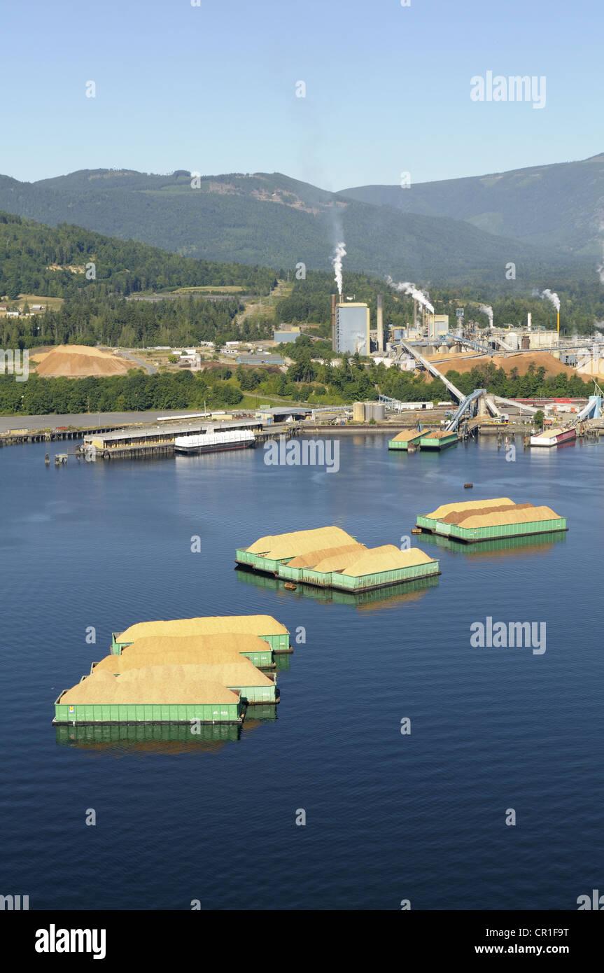 Luftaufnahme des Katalysators Papierfabrik, Crofton, Vancouver Island, British Columbia, Kanada Stockbild