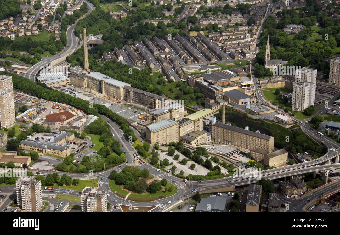 Luftaufnahme von Dean Clough Mills in Halifax Stockbild