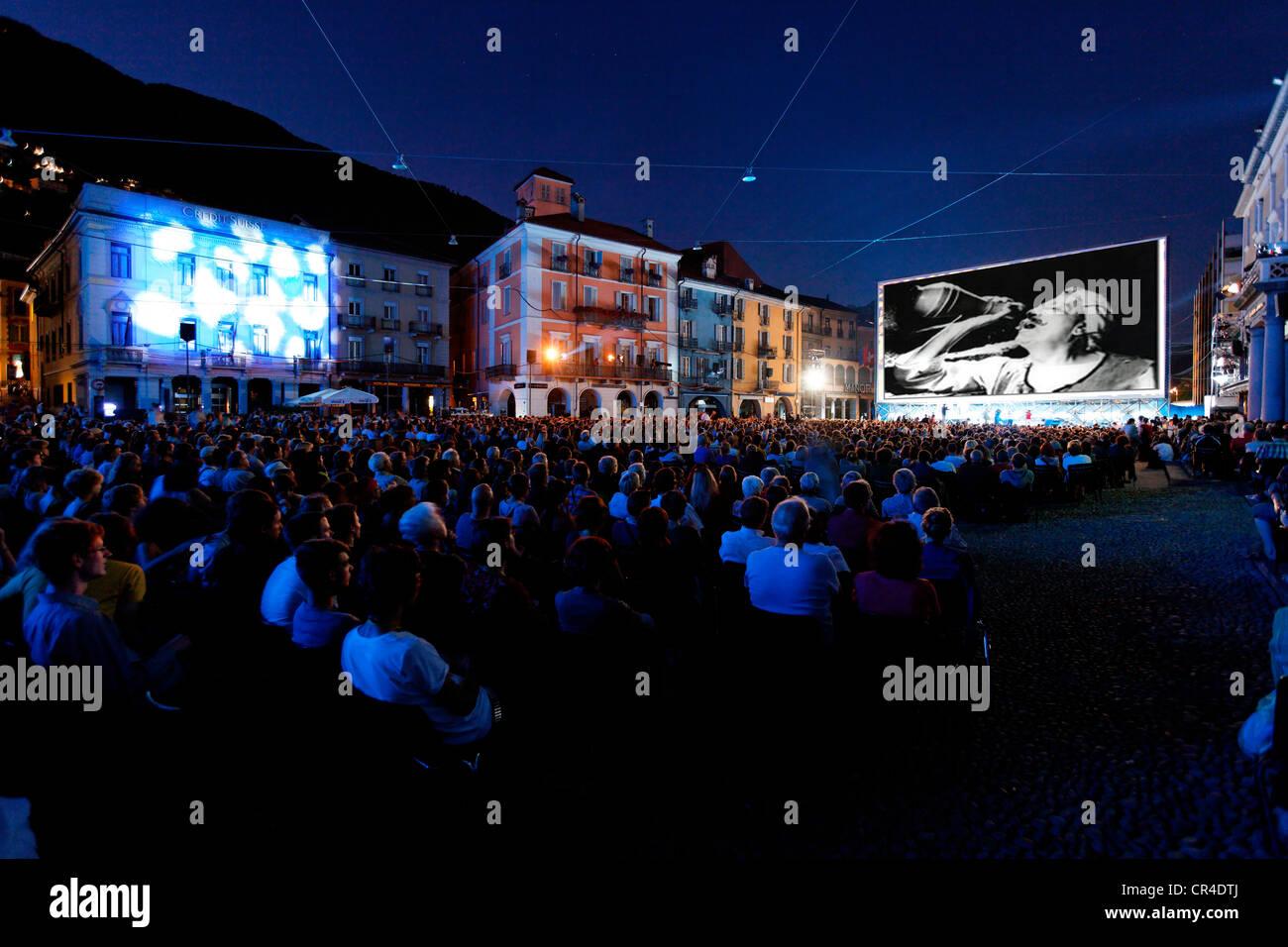 Locarno International Film Festival, jährliche Veranstaltung, in der Piazza Grande, Locarno, Kanton Tessin, Stockbild