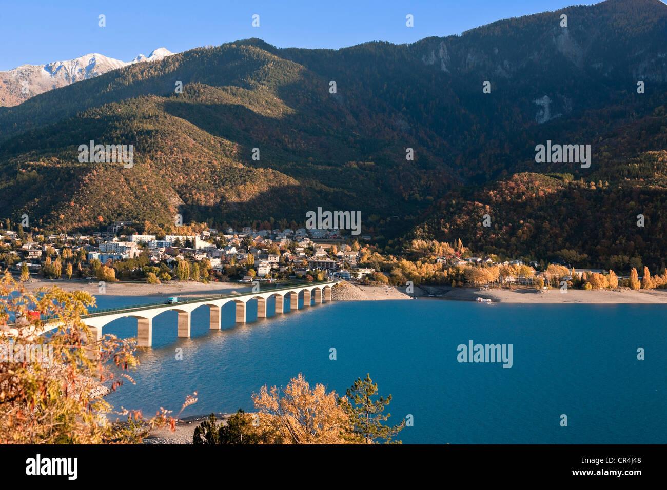 Lac Serre Poncon : Lac de serre poncon le belvedere et les alpes kat nr kv