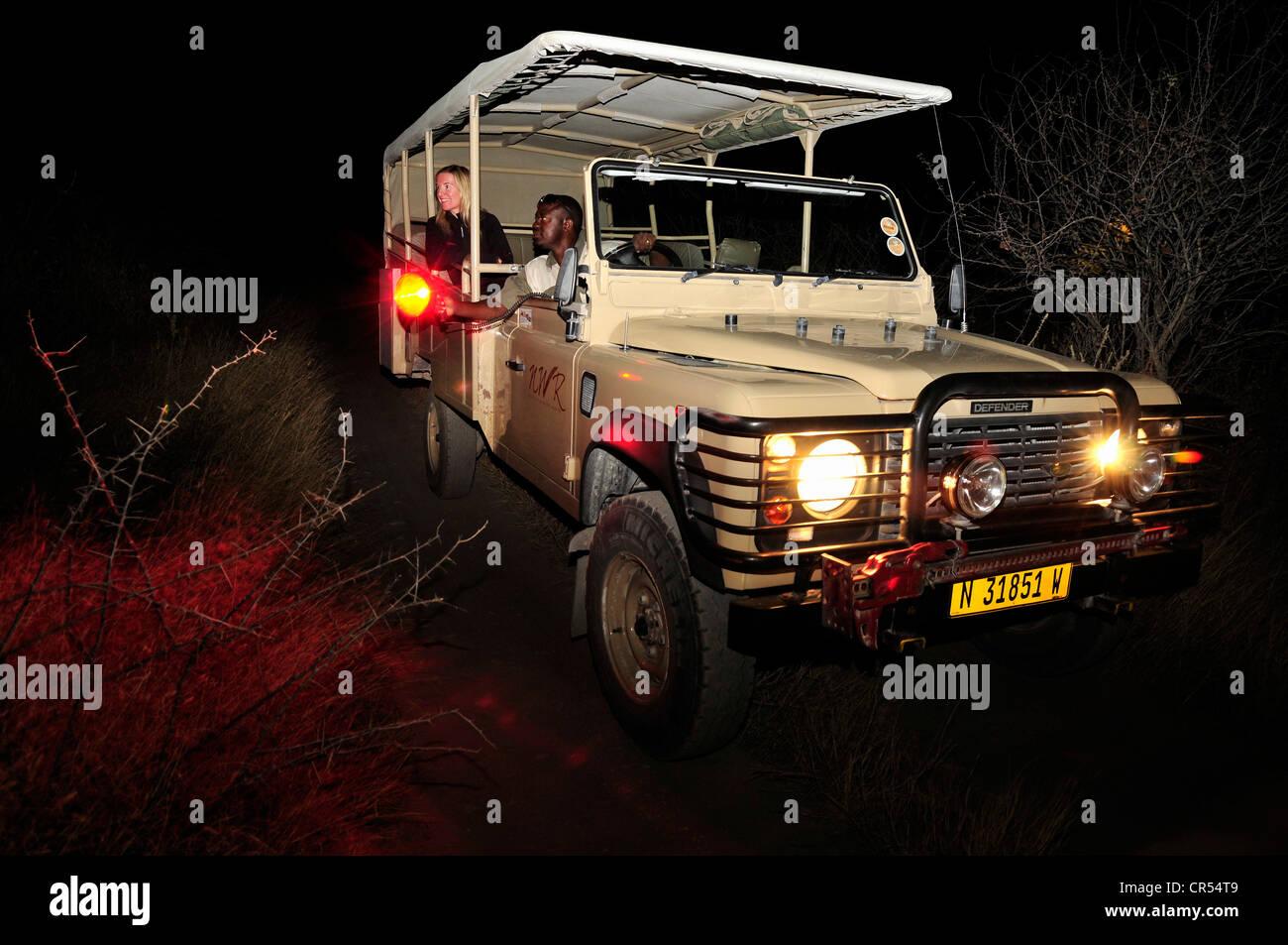 Etosha namibia safari car stockfotos etosha namibia for Wildparks in der nahe