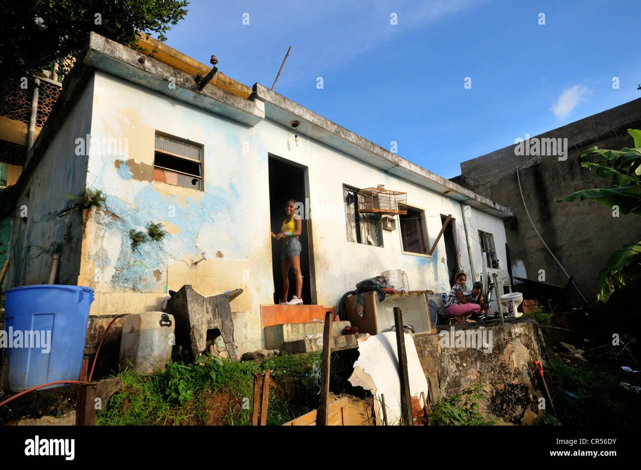 Einfaches Haus in Favela Morro da Formiga, Bezirk Tijuca, Rio De ...
