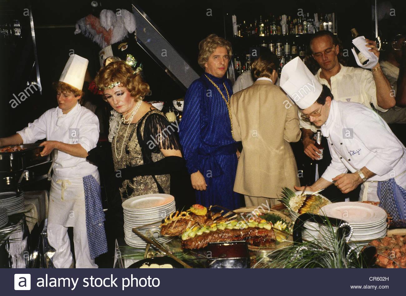 Beste Verkleiden 80er Jahre Party Bilder - Brautkleider Ideen ...
