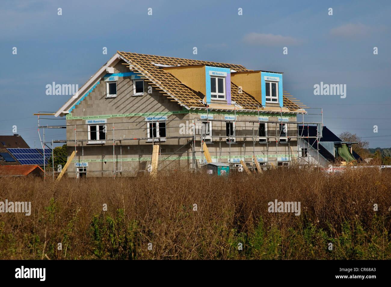 Neu errichtete Gebäude, Mehrfamilien Haus, Baustelle, PublicGround Stockbild
