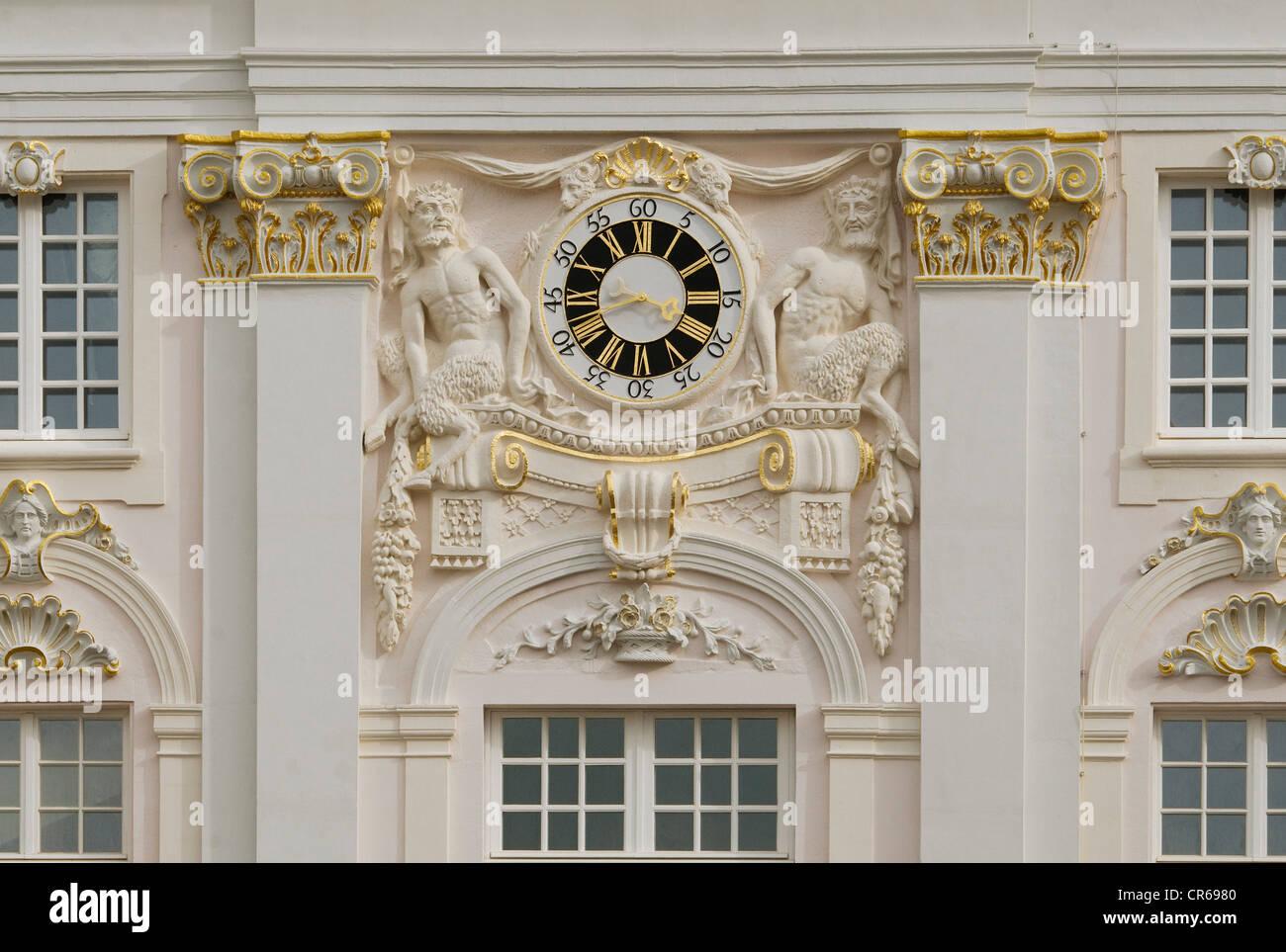 Restaurierte Uhr im historischen Rathaus, Bonn, Nordrhein-Westfalen, Deutschland, Europa Stockbild