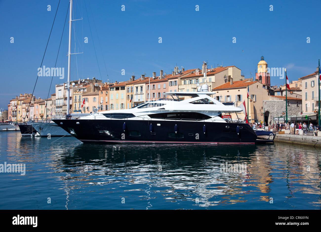 Yachten luxus  Luxus-Yachten im Hafen von St Tropez, Var, Cote d ' Azur ...