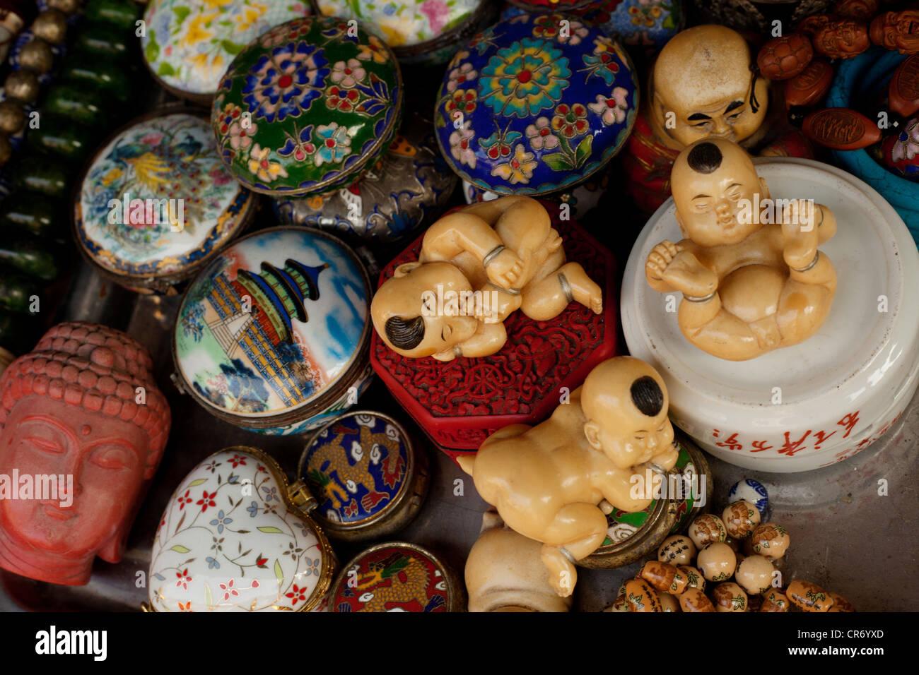Alte chinesische Kultur shanghai in Straßenständen von China verkauften Artikel. Stockbild