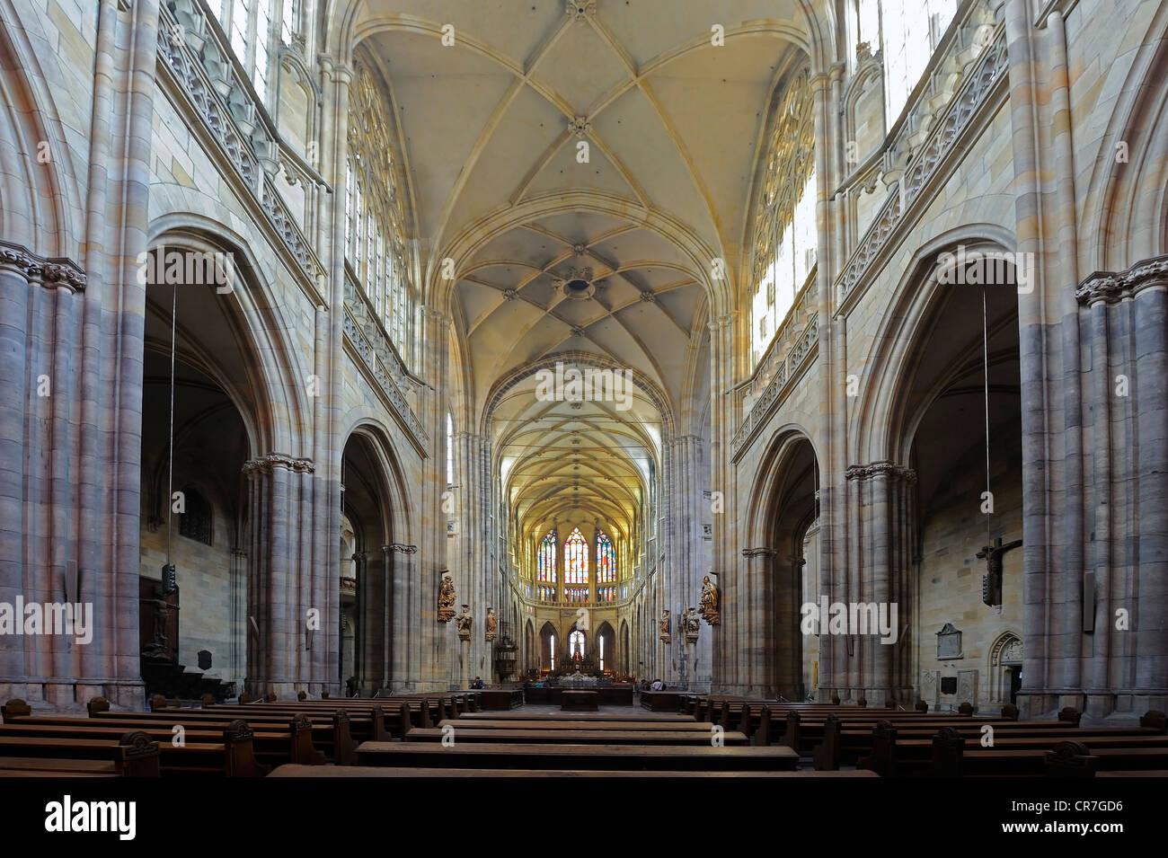 Kirchenschiff, gotische St. Vitus Cathedral, Prager Burg Hradschin Burgviertel, Prag, Böhmen, Tschechische Republik, Stockfoto